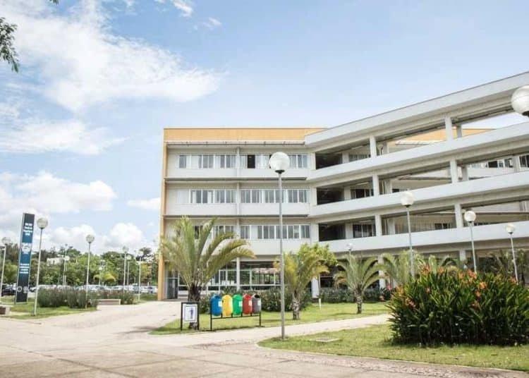 Vista da Escola de Engenharia - UFMG